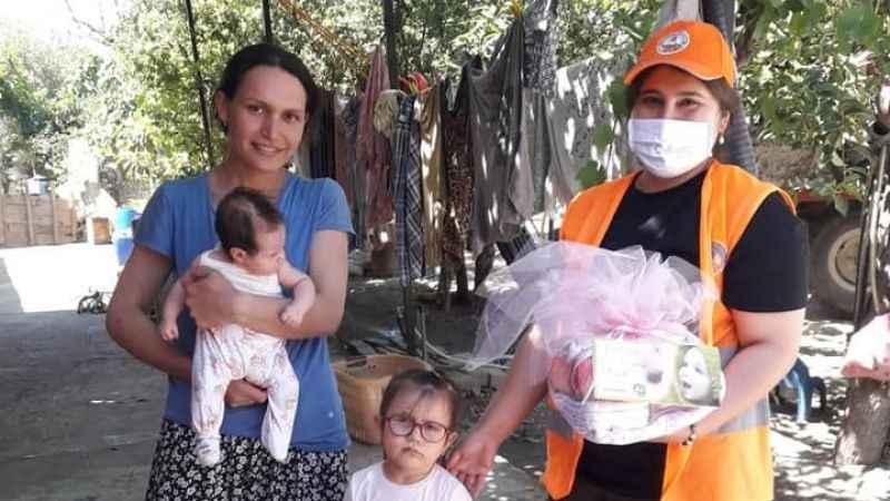 Kuyucak Belediyesi'nden 'hoş geldin bebek' ziyareti
