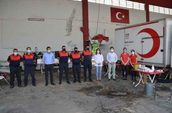 Nazilli'de itfaiye ekiplerinden Kızılay'a kan desteği