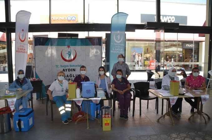 Novada AVM'de aşı istasyonu kuruldu