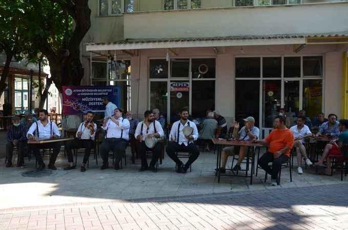 Büyükşehir ve Kuşadası Belediyesi'nden müzisyenlere destek