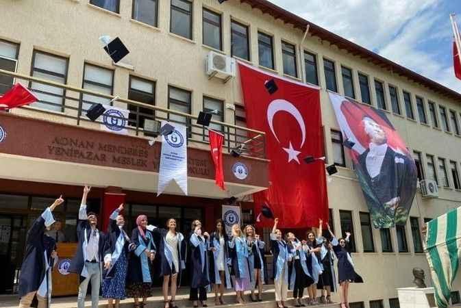 Yenipazar MYO'da mezuniyet sevinci