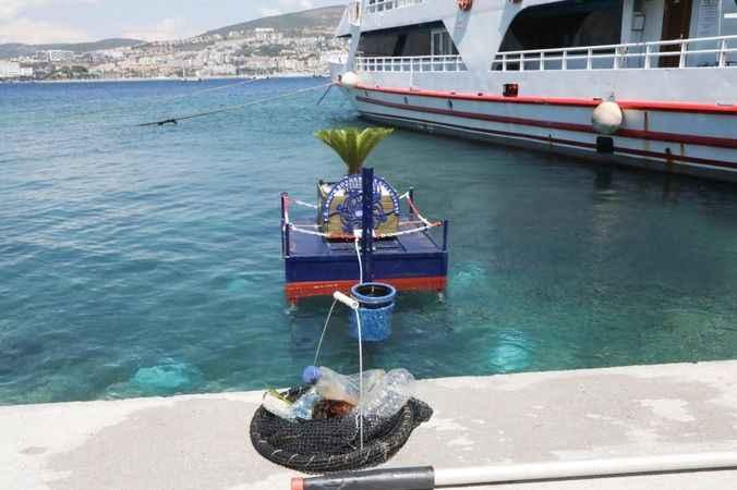 Aydın Büyükşehir Belediyesi yüzer çöp kovası üretti