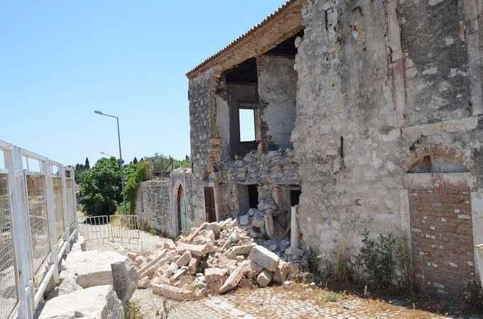 Yıkılan tarihi bina için resmi süreç başlatıldı