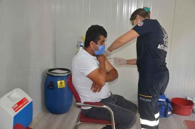 Atatürk Devlet Hastanesi'nde aşı çalışmaları devam ediyor