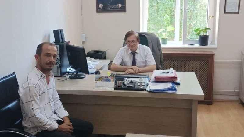 Vali Yardımcısı Arat'tan Mursallı Muhtarlığı'na bilgisayar