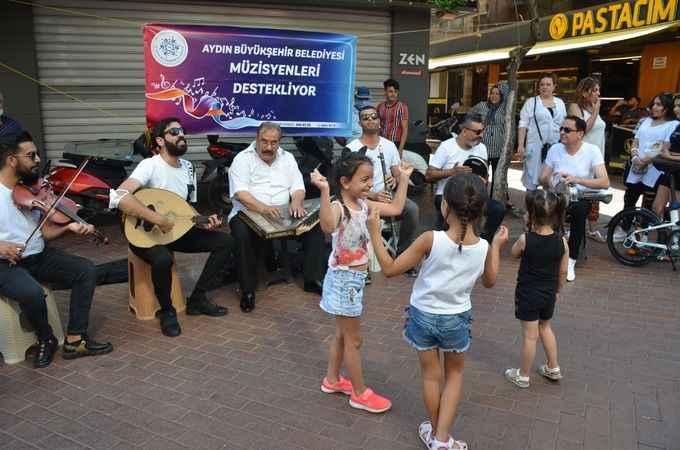 Çerçioğlu, müzisyenlere desteğe devam ediyor