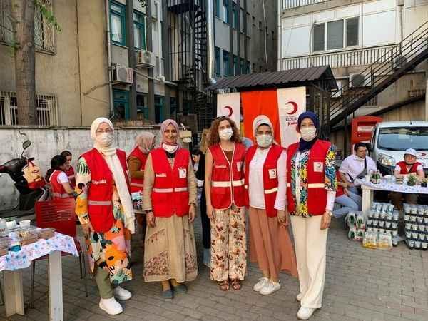 Kızılay'dan Filistinli yetim çocuklar için yardım kermesi
