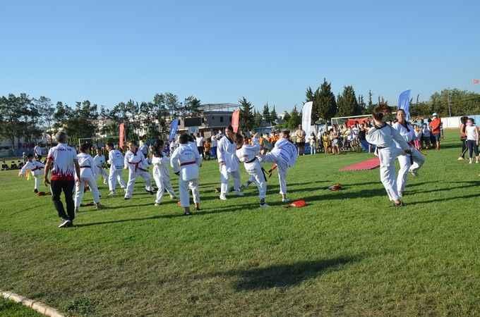 Didim'de yaz spor okullarının açılışı yapıldı