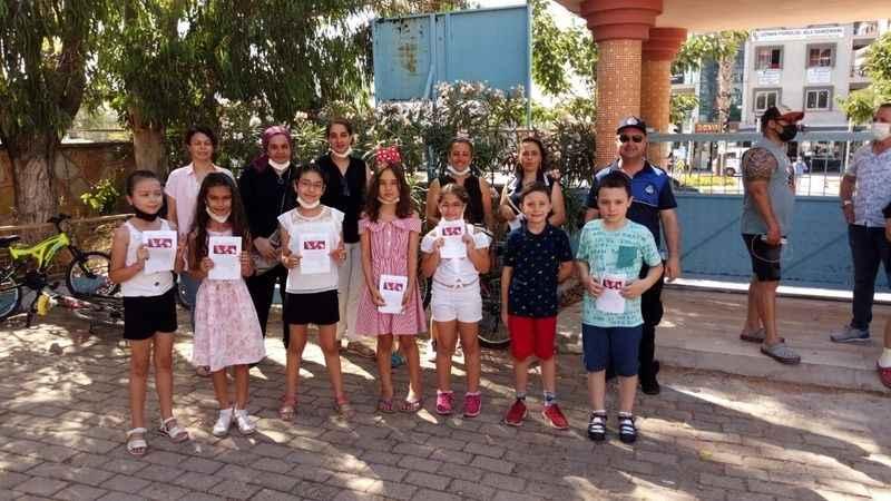 Didim'de öğrenciler karnelerini aldı