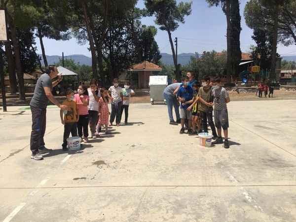 Karacasu'da öğrenciler gönüllerince eğlendi