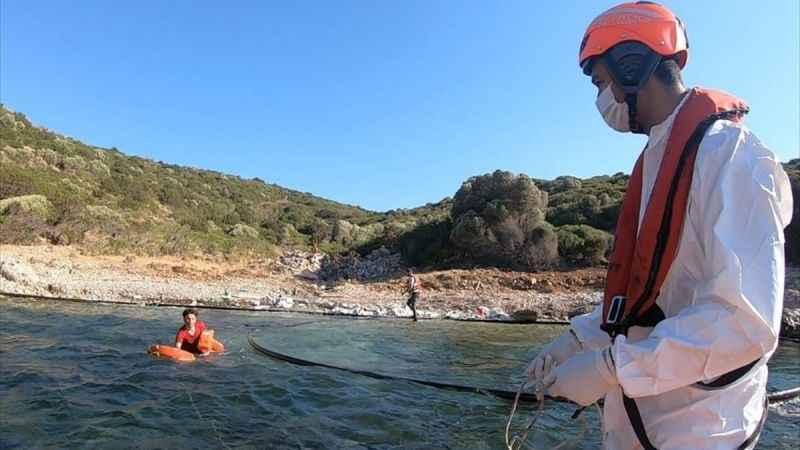 Umut yolcuları yüzerek Kuşadası'na çıktı