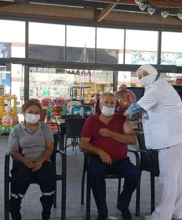 Söke'de alışveriş merkezine aşı standı kuruldu