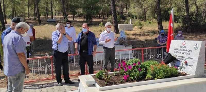 Karacasu'da şehit Emrah Ceylan, mezarı başında anıldı