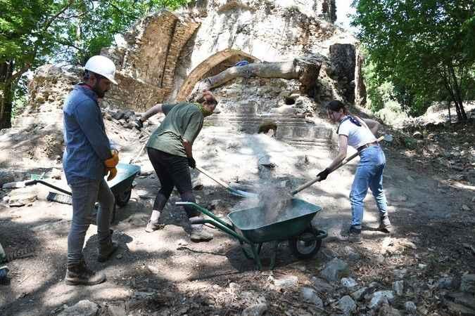 Kurşunlu Manastırı Kuşadası'nda inanç turizminin yeni adresi olacak