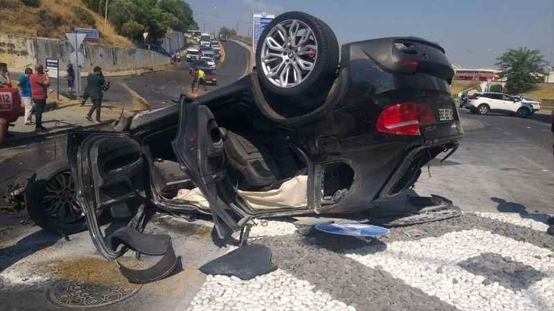 Aydın'da devrilen otomobilin sürücüsü yaralandı