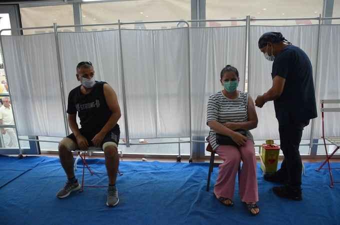 Mobil aşı tırı Didim'de