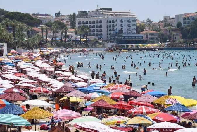 Aydın'da bunaltıcı sıcak nedeniyle sahiller doldu