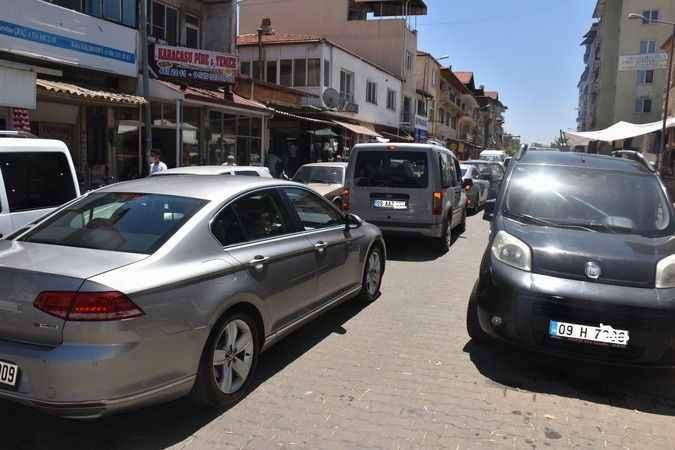 Karacasu'da trafik kaosu
