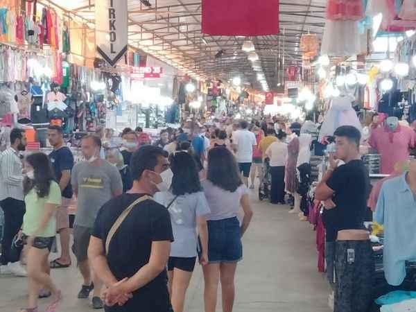 Mavişehir pazarında hareketlilik en üst seviyede