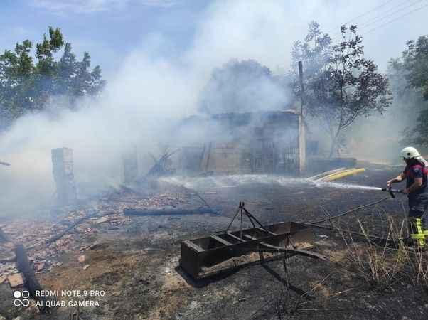Büyükşehir itfaiyesinden Cincin'deki yangına anında müdahale