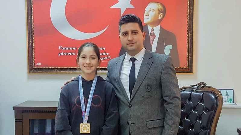 Köşklü Zeynep, Türkiye birincisi oldu