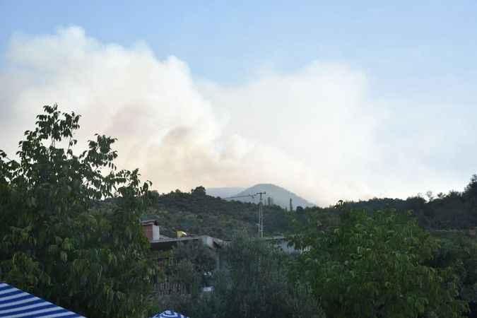 Karacasu'daki yangın kontrol altına alınamıyor
