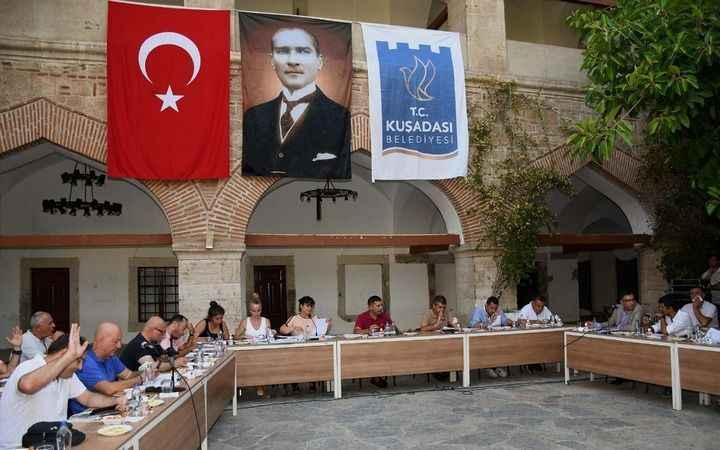 Kuşadası Belediye Meclis Toplantısı'nda önemli çağrı