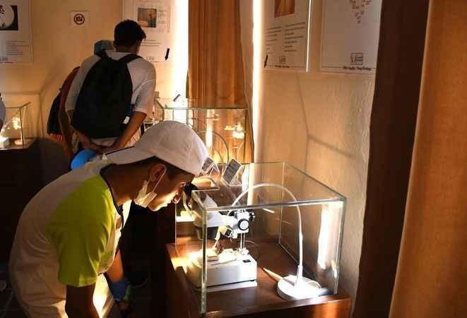 Türkiye'nin tek mikro minyatür müzesi, genç misafirlerini ağırladı