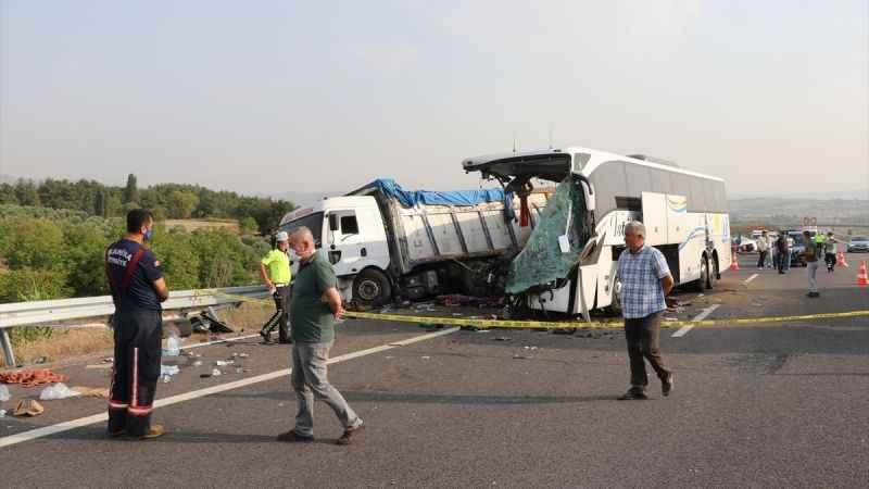Ege'de feci kaza; 6 ölü, 37 yaralı