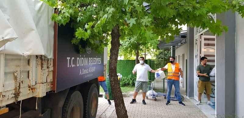 Didim Belediyesi destek tırı Marmaris'te