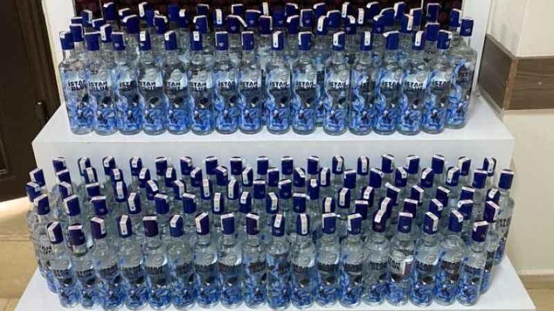 Didim'de 237 şişe sahte bandrollü içki yakalandı