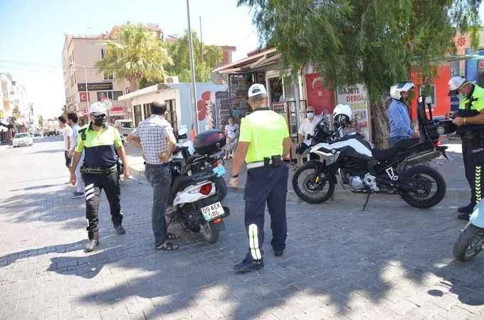 Didim'de motosiklet sürücüleri denetlendi