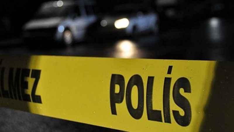 Alkollü şahıs, görevli polislere saldırdı