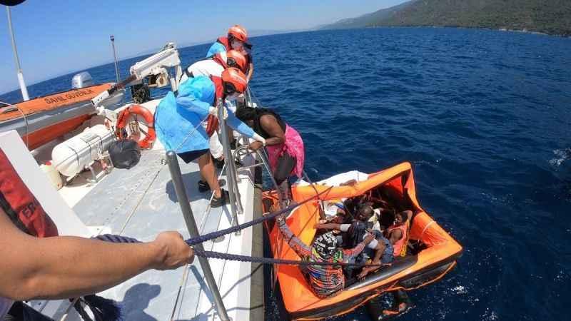 Aydın'da 10 sığınmacı kurtarıldı
