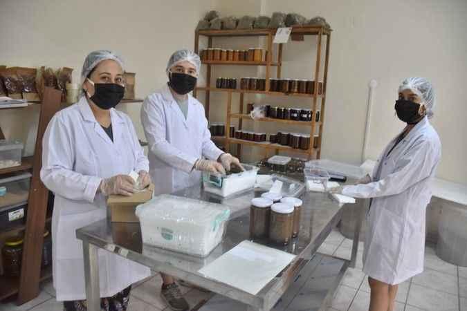 Karacasu'da Nihal'in Bahçesi fabrika gibi çalışıyor