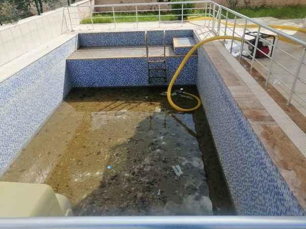 Didim'de havuzunu temiz tutmayan ceza yiyecek