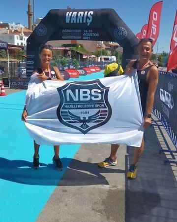 Naz Nazlı sporcular Eğirdir Triatlon'da yarıştı