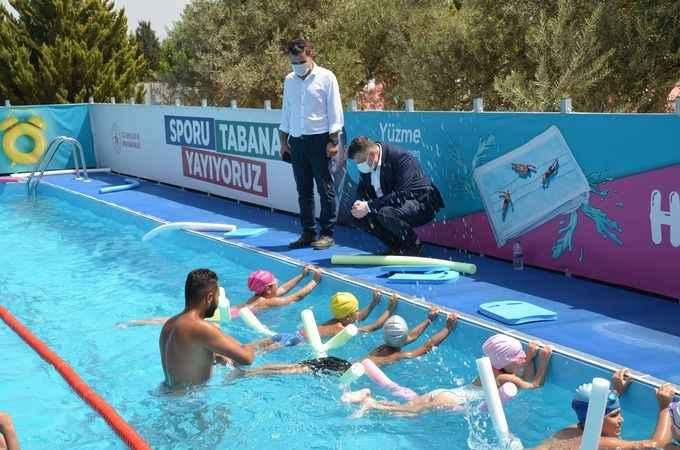 Fillikçioğlu, Didim'deki yüzme kursunu ziyaret etti