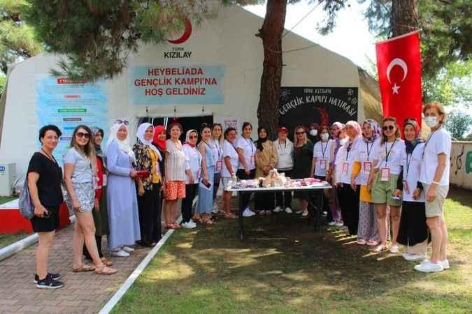 Kızılay kadın başkanları çalıştayda buluştu