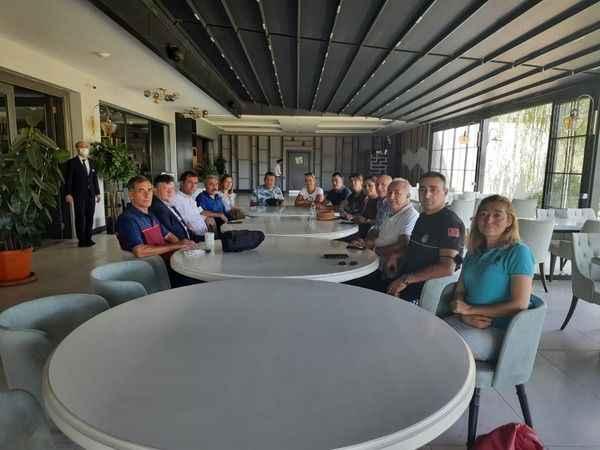 Aydın'da voleybol hakemleri ve gözlemcileri, kahvaltıda buluştu