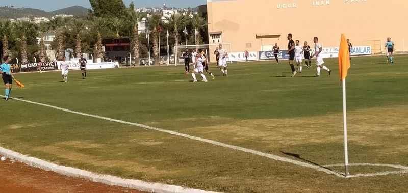 Kuşadasıspor ilk maçında berabere kaldı