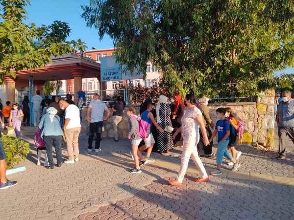 Didim'de 13 bin öğrenci okula başladı