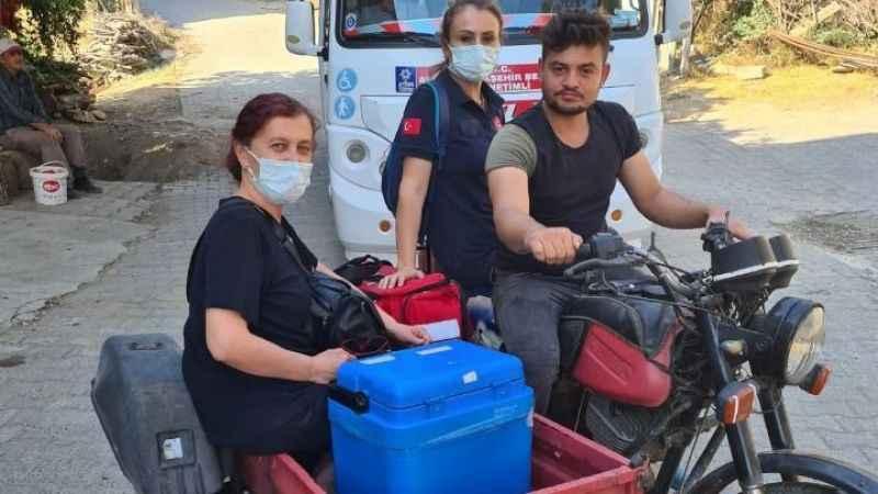 Sağlık çalışanları fedakarlıklarıyla takdir topladı