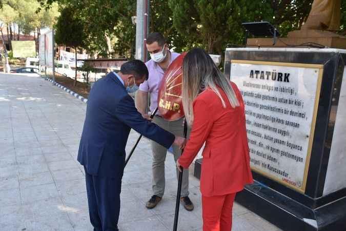CHP Karacasu, 98. kuruluş yıl dönümünü kutladı