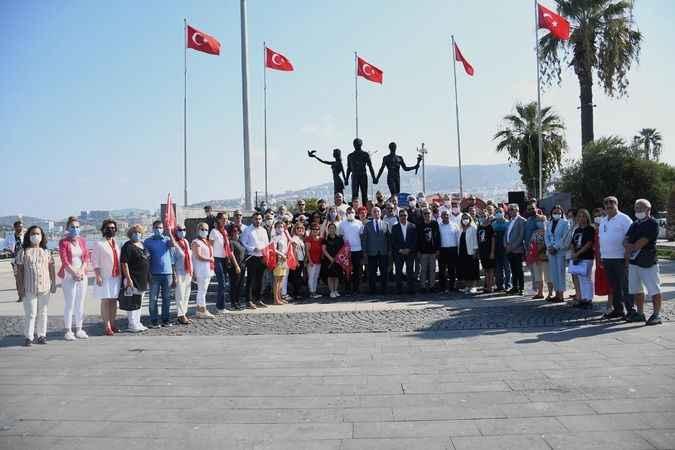 CHP'nin 98. kuruluş yıl dönümü Kuşadası'nda kutlandı