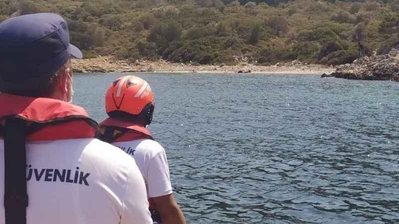 Türk kara sularına geri itilen 3 düzensiz göçmen kurtarıldı