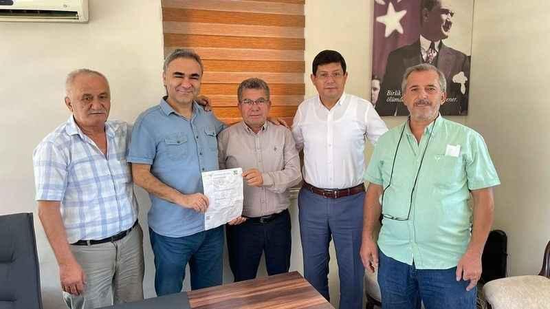 Başkan Özcan'dan sürpriz rozet