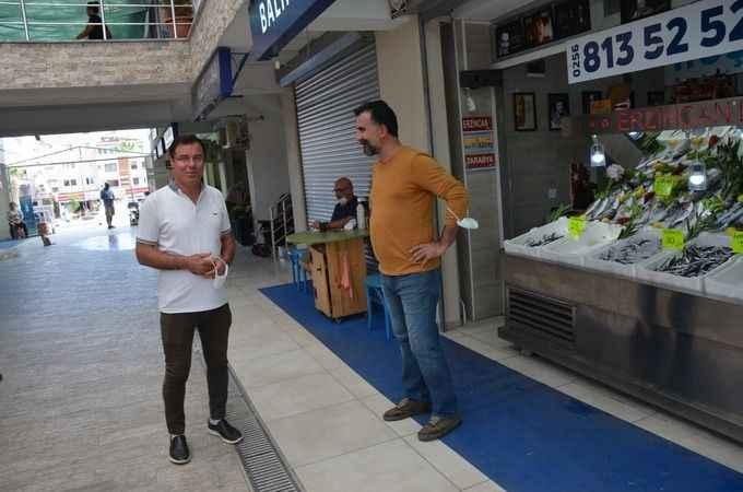 Erul, Balıkçılar Çarşısı'nı gezip sorunları dinledi