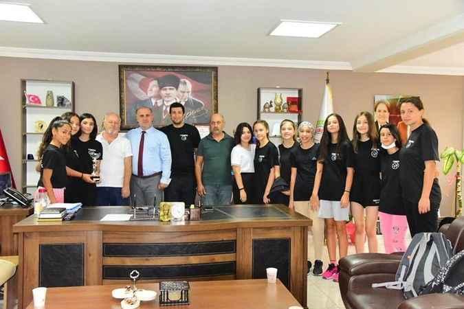İncirliova Kız Basketbol Takımı, şampiyon oldu