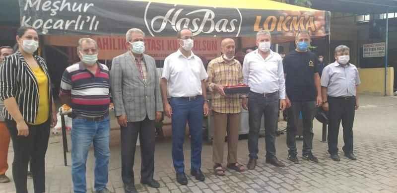 Koçarlı'nın ahisi Mehmet Uğur, plaketle onurlandırıldı